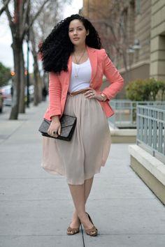Модный блогер с формами - Tanesha Awasthi