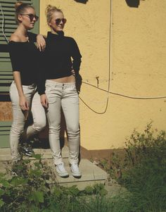 2 wunderschöne Mädchen in wunderschönen Hosen. Wir wünschen Euch einen schönen Nachmittag. www.gluecksstern.de #fashion #mode #moda #herbst #autumn #lucky #star #gluecksstern #glueck #glück #wednesday