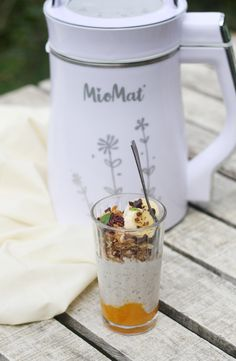 Yogurt vegano con MioMat Coffee Maker, Kitchen Appliances, Milkshakes, Chowders, Veggies, Coffee Maker Machine, Kitchen Tools, Coffee Percolator, Home Appliances