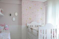 Acabei de finalizar esse quarto de bebê dos sonhos.O tema foi passarinhos, tem coisa mais fofa? As cores escolhidas foram bran...
