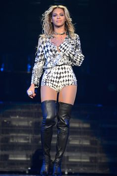 In the post from today we've rounded up best tour costumes of Beyonce to date—yes, including the new ones. Because if there's one thing we love most about Queen B's live shows, it's her dresses. Beyonce World, Beyonce Costume, Idol, Mrs Carter, Beyonce Knowles, Stage Outfits, Celebrity Style, Celebrity Boots, Celebrity Outfits