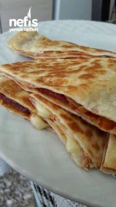 Lavaştan Harika Börek – Nefis Yemek Tarifleri Sauces, Turkish Kitchen, Flan, Bread Baking, Beautiful Cakes, Pizza, Brunch, Food And Drink, Cooking
