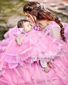 Cute Little Baby Girl, Little Babies, Cute Girls, Girl Pictures, Cute Pictures, Cute Girl Poses, Beautiful Girl Photo, Flower Girl Dresses, Daughter