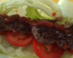 Lettuce wrapped burger fried in coconut oil. tomatoes and sugar free ketchup. The recipe is different when not on HCG. Lettuce Wrapped Burger, Lettuce Wraps, Hearty Chili Recipe, Chili Recipes, Oven Baked Breaded Chicken, Sugar Free Ketchup, Pan Fried Salmon, Cheeseburger Recipe