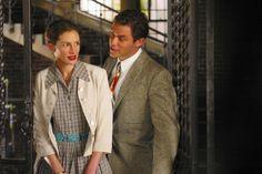 Julia Roberts (as Katherine Ann Watson) and Dominic West (as Bill Dunbar) in Mona Lisa Smile (2003) #monalisasmile #juliaroberts #dominicwest