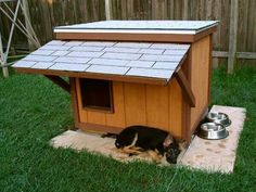 Such a cute idea - dog house Dog House Bed, Dog House Plans, Dangerous Dogs, Outdoor Furniture Sets, Outdoor Decor, German Shepherd Dogs, German Shepherds, Dogs Of The World, Animal House