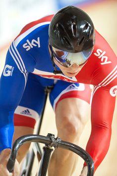 Sir Chris Hoy, badass of the track. Team Gb Cycling, Cycling Lycra, Track Cycling, Cycling Wear, Sir Chris Hoy, Lycra Men, Sports Celebrities, Cyclists, Grand Tour