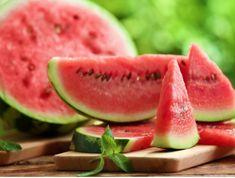 Nutrition Tracker App, Nutrition Chart, Nutrition Tips, Proper Nutrition, Watermelon Health Benefits, Watermelon Nutrition Facts, Strawberry Nutrition, 200 Calories, Kfc Coleslaw