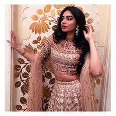 Best Trendy Outfits Part 35 Dress Indian Style, Indian Dresses, Indian Wedding Outfits, Indian Outfits, Wedding Dresses, Indian Attire, Indian Wear, Lehnga Dress, Lehenga Blouse