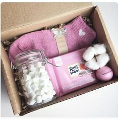 Super Gifts For Mom Birthday Box Ideas Birthday Gifts For Best Friend, Christmas Gifts For Friends, Christmas Gift Box, Friend Birthday, Best Friend Gifts, Xmas Gifts, Cute Gifts, Gifts For Mom, Best Gifts