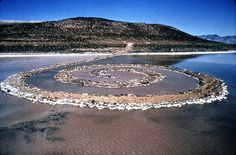land art e natura smithson Common Core Art, Robert Smithson, Art Activities, Activity Ideas, Land Art, So Little Time, Dream Vacations, Art Forms, Art History