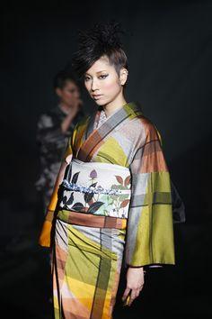 斉藤上太郎 Kimono Design, Global Style, Wardrobe Closet, Nihon, Yukata, Japanese Culture, Traditional Dresses, Asian Beauty, Runway