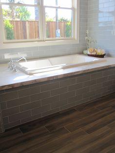 love this bath tub surround