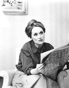 young Meryl Streep, black and white, portrait, actress Pretty People, Beautiful People, Nova Jersey, People Reading, Hollywood, Celebrity Gallery, Matthew Mcconaughey, People Magazine, Movie Posters