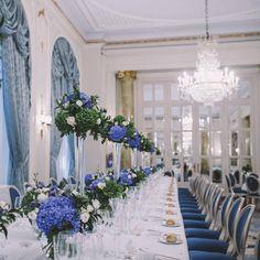 Gracias a Querida Valentina por compartir esta foto de la boda de Flavia y Eduardo. No nos cansamos de ver lo precioso que quedó el salón del Hotel Ritz, Madrid para esta ocasión tan especial. Fotografía: Sara Frost #boda #bodaswedding #weddingplanner #ritz #ceremonia