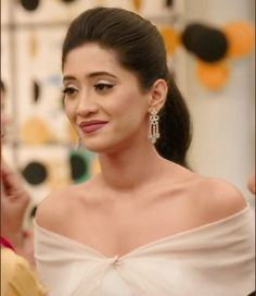 Hairstyles For Gowns, Wedding Hairstyles, Cute Celebrities, Indian Celebrities, Bollywood Girls, Bollywood Actress, Shivangi Joshi Instagram, Instagram Hairstyles, Indian Bridal Outfits