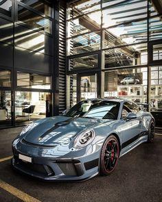 Porsche - Everything About Japonic Cars 2020 Porsche Gt3, Cayman Porsche, Porsche Carrera, Porsche Cars, Cool Sports Cars, Sport Cars, Porsche Mission E, Porsche Sports Car, Vintage Porsche