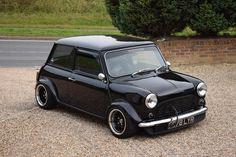 Mini Cooper Custom, Mini Cooper Classic, Classic Mini, Classic Cars, My Dream Car, Dream Cars, Mini Morris, Mini Copper, Mini Clubman