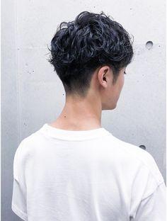 Asian Man Haircut, Asian Men Hairstyle, Cool Hairstyles For Men, Male Haircuts Curly, Haircuts For Men, Undercut Hairstyles, Hairstyles Haircuts, Curly Hair Men, Curly Hair Styles