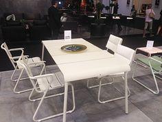 Tables de repas, chaises et fauteuils au look sophistiqués invitent à aménager jardins, terrasses ou bords de piscine avec modernité… Jardinchic adore!   #OASIQ at Maison & Objet #MO14 Reportage Jardinchic: Salon Maison