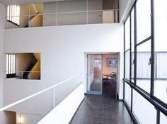 La Maison La Roche... Le Corbusier est toujours Le Corbusier.... again!