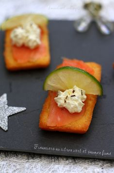 Financier with lime and smoked salmon - Amandine Cooking - - Brunch Appetizers, Brunch Recipes, Appetizer Recipes, Food L, Xmas Food, Christmas Brunch, Snacks, Smoked Salmon, Salmon Recipes