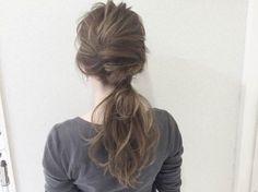 髪をねじって結ぶだけ!不器用さんでも簡単ローポニーヘアアレンジ - Yahoo! BEAUTY