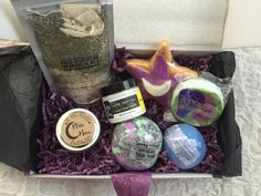 Lavish Bath Box is a brand new box that just launched, promising to send a box of cruelty-free, vegan bath goodies every month. Monthly Crates, Sub Box, Fun Mail, Monthly Subscription Boxes, Beauty Box Subscriptions, Monthly Themes, Diy Gifts, Bath And Body, Make Up