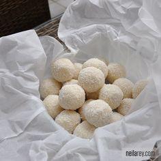 No-bake coconut protein balls!