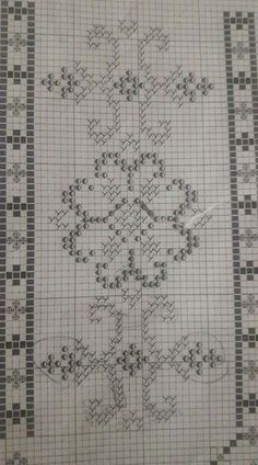This Pin was discovered by Eli Beaded Embroidery, Embroidery Patterns, Cross Stitch Patterns, Crochet Diagram, Filet Crochet, Sewing Art, Wrist Warmers, Bargello, Blackwork