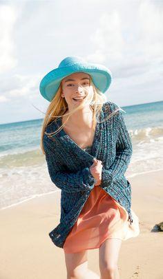 Summer Look - Blaupetrole Jacke aus Bändchengarn, gestrickt mit ggh-Garn VISCONTI (55% Baumwolle, 30% Viskose, 15% Seide), Garnpaket zu Modell 32 aus Rebecca Nr. 62