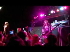 ▶ The Donnas Live: Take It Off and Bitchin' - YouTube