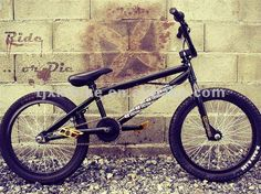 design BMX Bike1.lightweight to ride2.cool  style for BMX3.fashion outlook 4.Attachments:bag,helmet,flag,etc.
