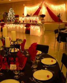 Wedding reception decorating ideas and inspiration for a Christmas or winter wedding. | I like the use of black white and red.