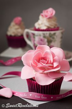 How to make an open rose cupcake topper