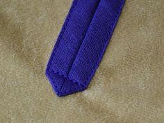 Nadel und Falzbein: Hals-Schlitz mit Schrägband einfassen - Tutorial