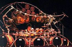 Terry Bozzio, drummer for Korn and his most impressive drum set.also was drummer with FRANK. Terry Bozzio, Gallows, How To Play Drums, Drum Sets, Frank Zappa, Best Rock, Korn, Rock N Roll, Heavy Metal