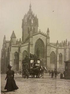 St Giles Cathedral - Edinburgh High Street, Scotland - Photograph probably by JCH Balmain Old Town Edinburgh, Edinburgh Sights, History Of Photography, Scenic Photography, Night Photography, Photography Tips, Landscape Photography, Scotland History, England And Scotland
