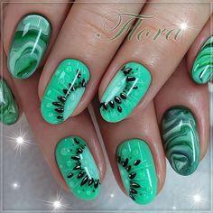 """Z <a href=""""https://www.neonail.pl/katalog/zele-hybrydowe-uv/?utm_source=social&utm_medium=pinterest"""">LAKIERAMI HYBRYDOWYMI NEONAIL</a> ogranicza Cię tylko wyobraźnia! Zmaluj bajkowe, owocowe stylizacje! Kiwi na paznokciach? Dlaczego nie! Kiwi nails/ Green aquarelle nails/ Summer fruits nails"""