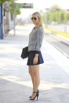 Sparkle-and-Spice: Houndstooth