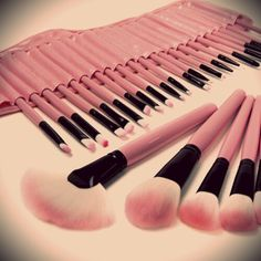 32 Piece Premium Quality Makeup Brush Set for only $0.94 per brush!!!