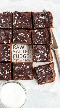 These Raw Brownies are absolutely perfect with a salted fudge icing that& t-totally addicting. This is a dessert that everyone can enjoy! Raw Dessert Recipes, Raw Desserts, Paleo Dessert, Raw Food Recipes, Baking Recipes, Dessert Ideas, Healthier Desserts, Paleo Food, Top Recipes