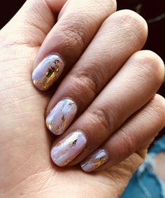 lilac color nails with gold leaf accents, nail art, gold leaf nail design Gold Gel Nails, Shellac Nail Art, Glitter Manicure, Nail Polish, Cute Nail Colors, Cute Pink Nails, Purple Nails, Color Nails, Foil Nail Art