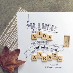 Sobre abraços ❤️ . Frase do Victor Erik do @palavrasatemporais 😉 .  #typespire #goodtype #thedailytype #thedesigntip #handlettering #lettering #typography #typeveryday #handmadefont #creativity #design #byalinealbino #frases #quote #PalavrasAtemporais #abraço