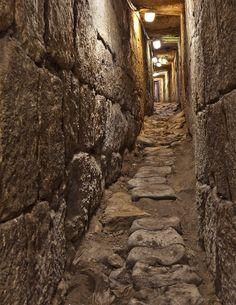 Jerusalem in Hezekiah's Tunnel   1105-5613 v3 Hezekiah's Tunnel