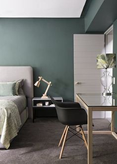green wall + pink headboard + brown carpet Believe It or Not: 9 Bedrooms Absolutely Killing It With Wall-to-Wall Carpet Room, Interior, Home Bedroom, Green Rooms, Home Decor, Contemporary Bedroom, Green Bedroom Design, Bedroom Carpet, Interior Design