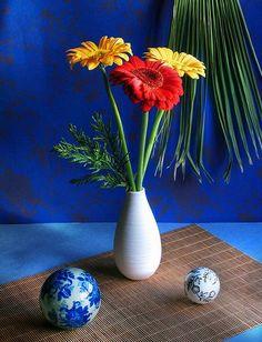 Gerbera, Glass Vase, Home Decor, Flowers, Decoration Home, Room Decor, Home Interior Design, Home Decoration, Interior Design