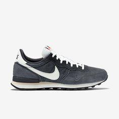 Nike Internationalist PGS Leather Men's Shoe. Nike Store