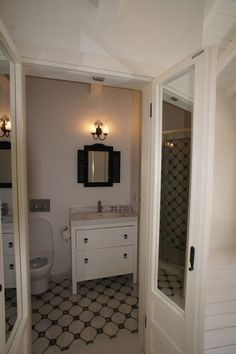 Bathroom Old Stone Houses, Mirror, Frame, Bathroom, Furniture, Design, Home Decor, Homemade Home Decor, Mirrors