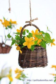 Love this mini flower basket
